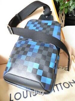 Authentique Brand New Louis Vuitton Avenue Sling Pixel Blue Rare Limited Edition
