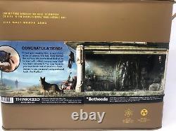 Fallout 4 Pip-Boy 3000 Deluxe Bluetooth Edition Brand New Rare Vaul-Tec